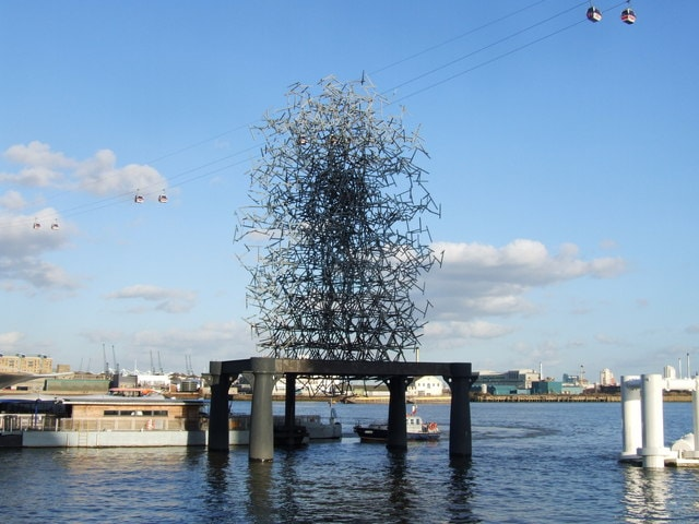 an image of Quantum Cloud, a steel sculpture in London